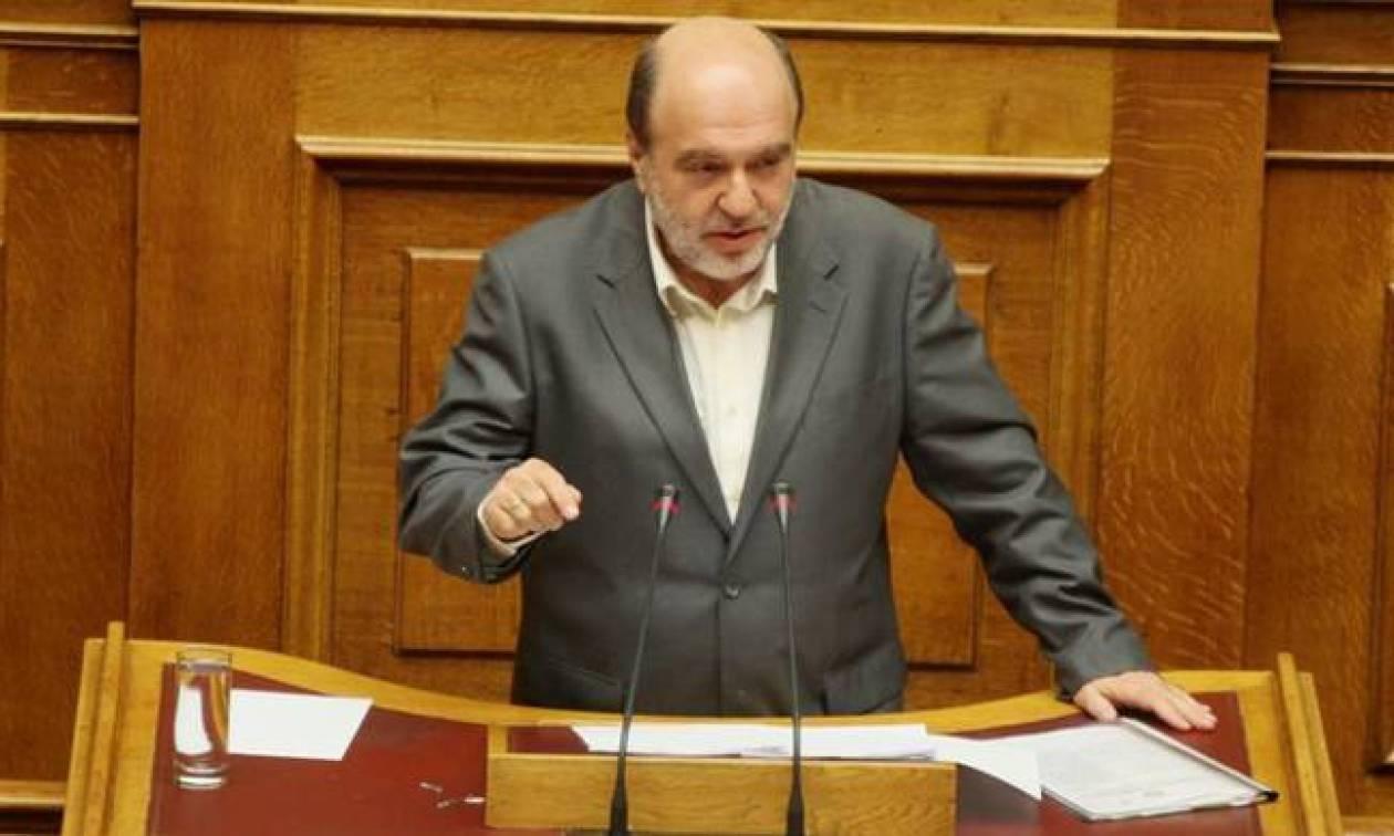 Βουλή: Κόντρα Αλεξιάδη - Κουτσούκου για τη λίστα Λαγκάρντ