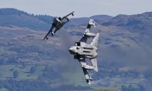 Η Βρετανία ξεκίνησε να βομβαρδίζει τη Συρία 57 λεπτά μετά την ψηφοφορία στη Βουλή (video)