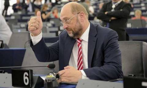 Eντολή Σουλτς για περισσότερη παρακολούθηση του ελληνικού προγράμματος