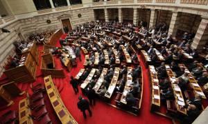 Ερώτηση 22 βουλευτών ΝΔ για «αμαρτωλές μετακινήσεις κρατικών αυτοκινήτων το 2015»