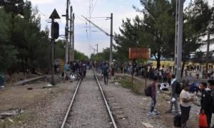 Άνοιξε για τους πρόσφυγες το σημείο διέλευσης στην ουδέτερη ζώνη Ελλάδας - Σκοπίων