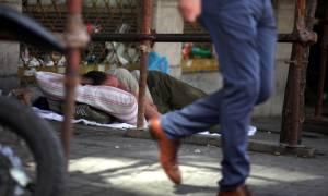 Bloomberg: Μετά από έξι χρόνια ύφεσης η ελληνική οικονομία παραμένει χαοτική!