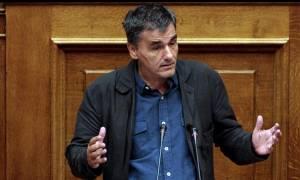 Τσακαλώτος: Ο κ. Θεοχάρης να ζητήσει συγγνώμη για τον λαϊκισμό του