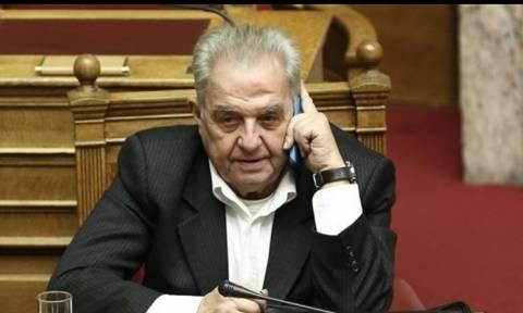 Απείλησε με μηνύσεις μέσα στη Βουλή ο Αλέκος Φλαμπουράρης (vid)