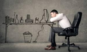 Χρόνια απάθεια: Πότε δείχνει κατάθλιψη και πότε άλλη σοβαρή ασθένεια