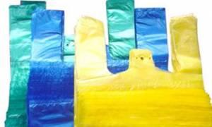 Βρετανία: Η χρέωση για τις πλαστικές σακούλες στην Αγγλία περιόρισε τη χρήση τους κατά 78%