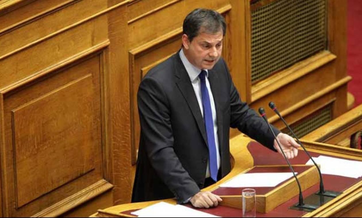 Προϋπολογισμός 2016 - Θεοχάρης: Η κυβέρνηση κόβει συντάξεις και κάνει απευθείας αναθέσεις
