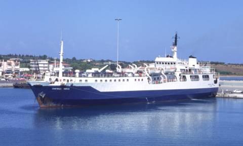 Βλάβη σε καταπέλτη πλοίου στη Σύρο - Τραυματίστηκε επιβάτιδα