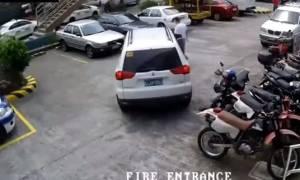 Ασύλληπτο βίντεο: Το πιο απίστευτο παρκάρισμα της ιστορίας!