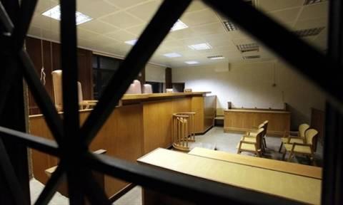 Λάρισα: 21 χρόνια φυλακή για υπεξαίρεση 2,7 εκατ. ευρώ από τράπεζα