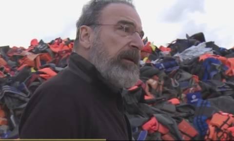 Ο Saul από το Homeland βοηθά πρόσφυγες στη Λέσβο (video)