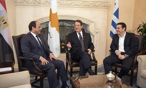 Σύνοδος Ελλάδας - Κύπρου - Αιγύπτου: Σε εξέλιξη η συνάντηση Αναστασιάδη - Σίσι