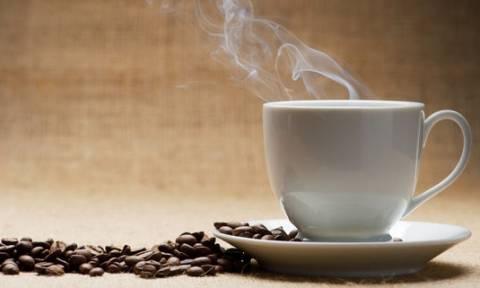 Πήγαν για... καφέ και έφυγαν με χειροπέδες – Δείτε τι συνέβη σε καφετέρια στην Κρήτη