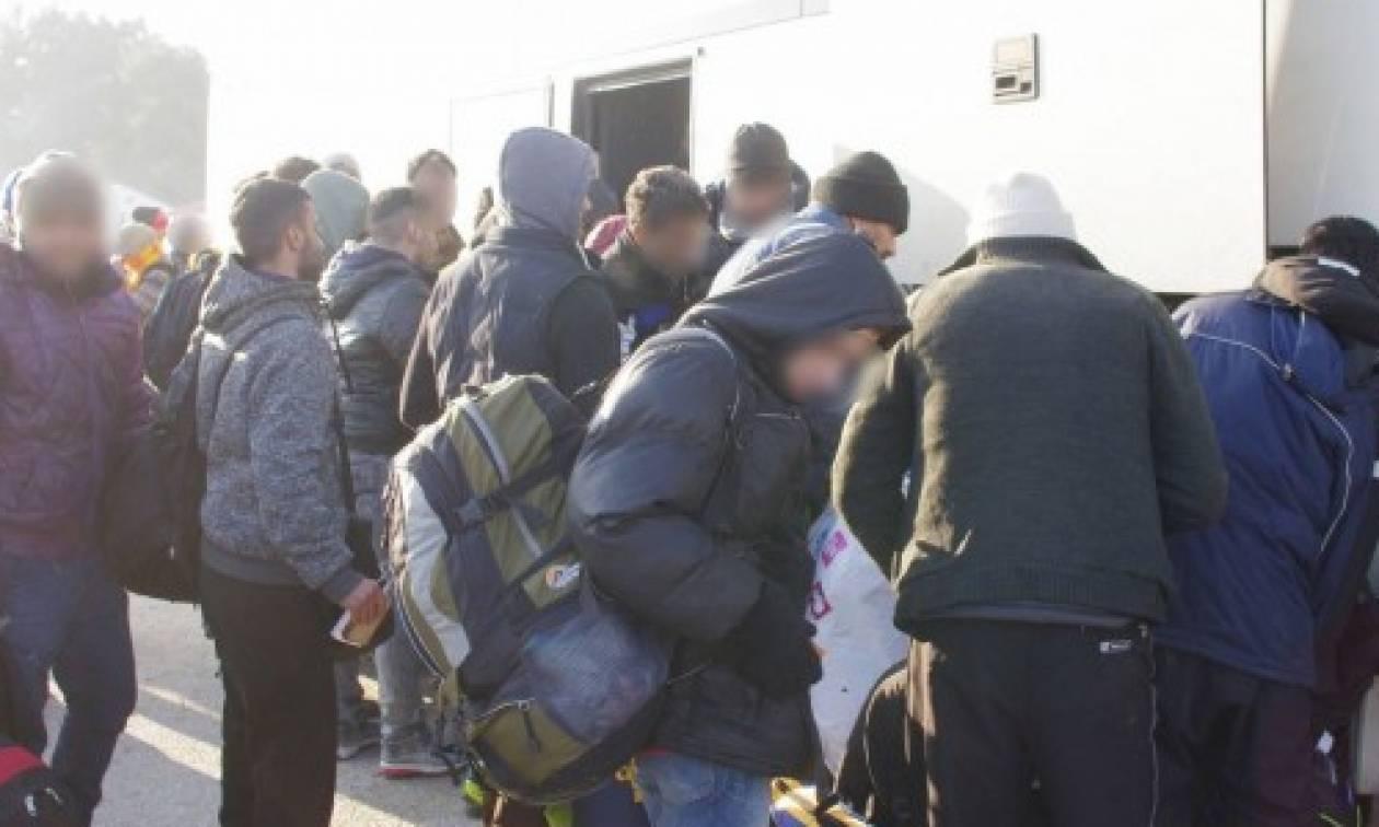 Δείτε την άφιξη 2.300 μεταναστών στην Αθήνα (video)