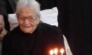 Η γιαγιά που τρελαίνει την Κρήτη – Ποιο είναι το μυστικό της;