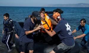 Κομισιόν προς Ελλάδα: Γιατί δεν ελέγξατε 370.000 δακτυλικά αποτυπώματα προσφύγων;