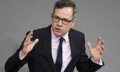 Μίχαελ Ροτ: Δεν θέλουμε να αποδυναμώσουμε την Ελλάδα