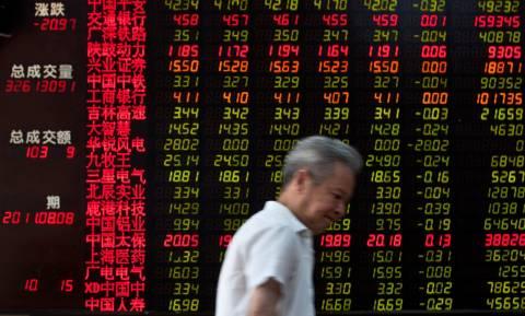 Διεθνείς αγορές: Σε χαμηλό τεσσεράμισι ετών το κινεζικό γιουάν, σε χαμηλό επταετίας το πετρέλαιο