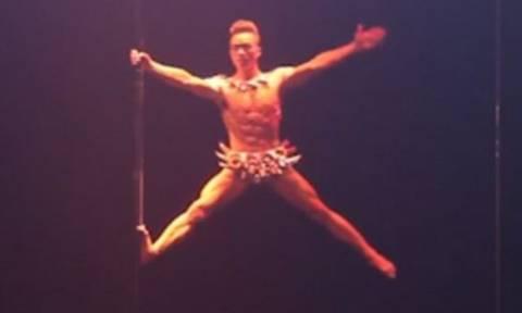 Απίστευτο βίντεο: Ο καλύτερος χορευτής pole dancing είναι… άνδρας!