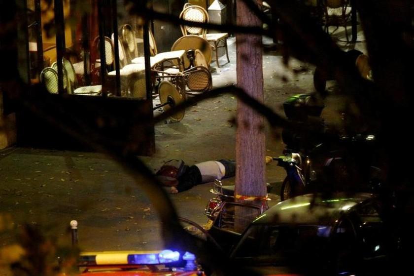 Ένας μήνας από το χτύπημα στο Παρίσι: Τα  λεπτά που άλλαξαν για πάντα την Ευρώπη (pics+vid)