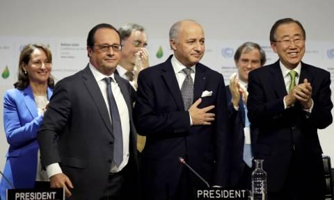 Reuters: 196 χώρες δεσμεύθηκαν στο Παρίσι ότι θα σώσουν τον πλανήτη!