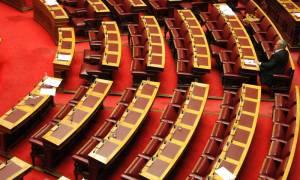 Στη Βουλή με τη μορφή του κατεπείγοντος την Τρίτη το νομοσχέδιο για τα «κόκκινα δάνεια»