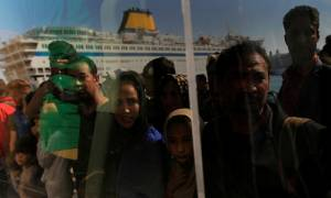 Λιμάνι Πειραιά: Ξεπερνούν τους 1.500 οι μετανάστες που αποβιβάστηκαν σήμερα Δευτέρα