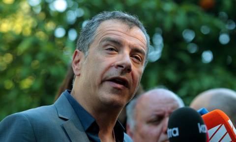 Θεοδωράκης: Συμφωνούμε αλλά υπό προϋποθέσεις σε κυβέρνηση συνεργασίας