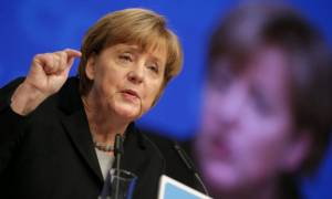 Αποφασιστική φύλαξη των εξωτερικών συνόρων της ΕΕ ζητά η Μέρκελ