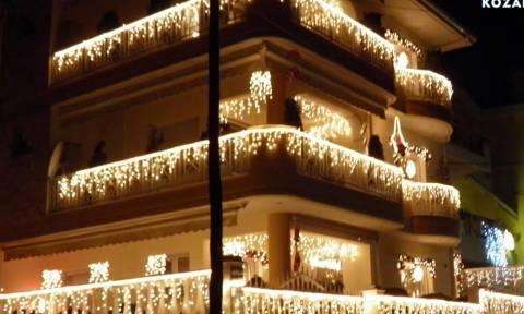 Εσείς γνωρίζετε πού βρίσκεται το πιο χριστουγεννιάτικο σπίτι στην Ελλάδα (photos)