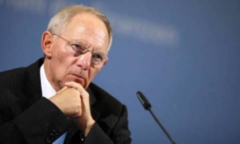 Σόιμπλε: Κίνδυνος η Γερμανία να επιβαρυνθεί λόγω της εισροής προσφύγων