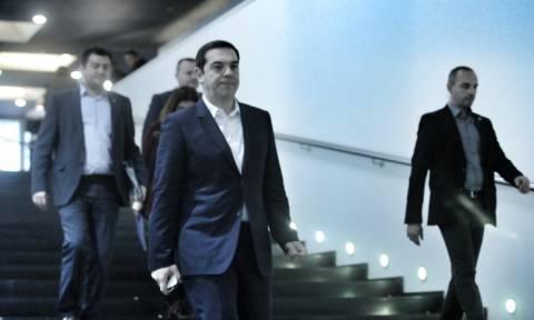 Τσίπρας: Επιθεωρεί hotspots σε Χίο και Λέρο