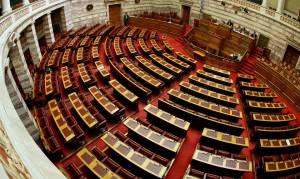 Live η συζήτηση στη Βουλή του νομοσχεδίου με τα προαπαιτούμενα