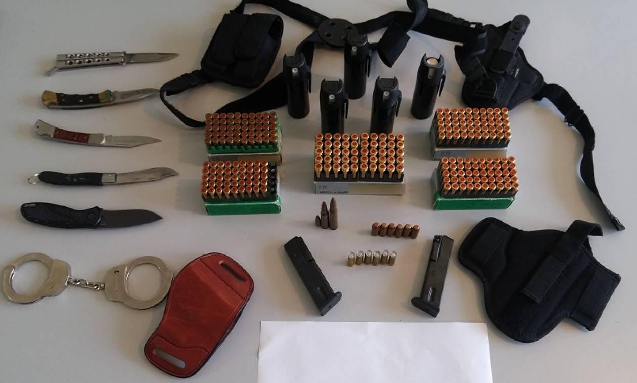 Ξυλόκαστρο: Έκρυβε μίνι οπλοστάσιο μέσα στο σπίτι του