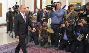 Λύθηκε το μυστήριο με το «βάδισμα του πιστολέρο Πούτιν» - Ποια η σχέση της KGB! (vids)