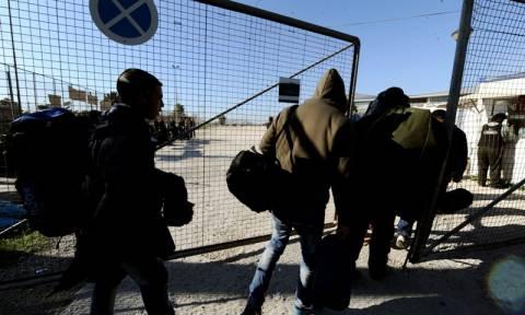 Μεταφέρονται από το κλειστό του Τάε Κβον Ντο μετανάστες και πρόσφυγες