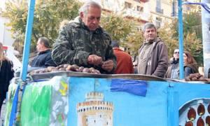 Θεσσαλονίκη: Επέστρεψε στο πόστο του ο καστανάς (pics)