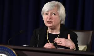 Πώς αντέδρασαν οι αγορές στην ιστορική απόφαση της Fed να αυξήσει τα επιτόκιά της