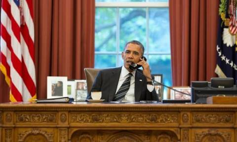 Ομπάμα: Επικυρώνει επείγουσα χρηματοδοτική διάταξη για να συνεχίσει να λειτουργεί το κράτος
