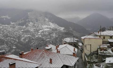 Εκπληκτικές εικόνες από το χιονισμένο Μέτσοβο! (photos)