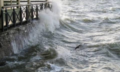 Απίστευτες σκηνές στα Γιάννενα: Βγήκε η λίμνη στη στεριά (photo)