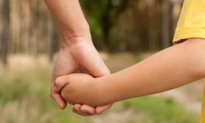 ΣτΕ: Δικαιούνται άδεια ανατροφής μετ' αποδοχών οι δικαστές που υιοθετούν παιδί