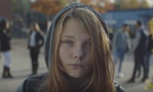 Το συγκλονιστικό βίντεο για το βιασμό που κάνει το γύρο του κόσμου