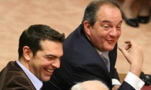 Τηλεφώνημα Καραμανλή προς Τσίπρα: Κάνε το χρέος σου, η χώρα βυθίζεται!