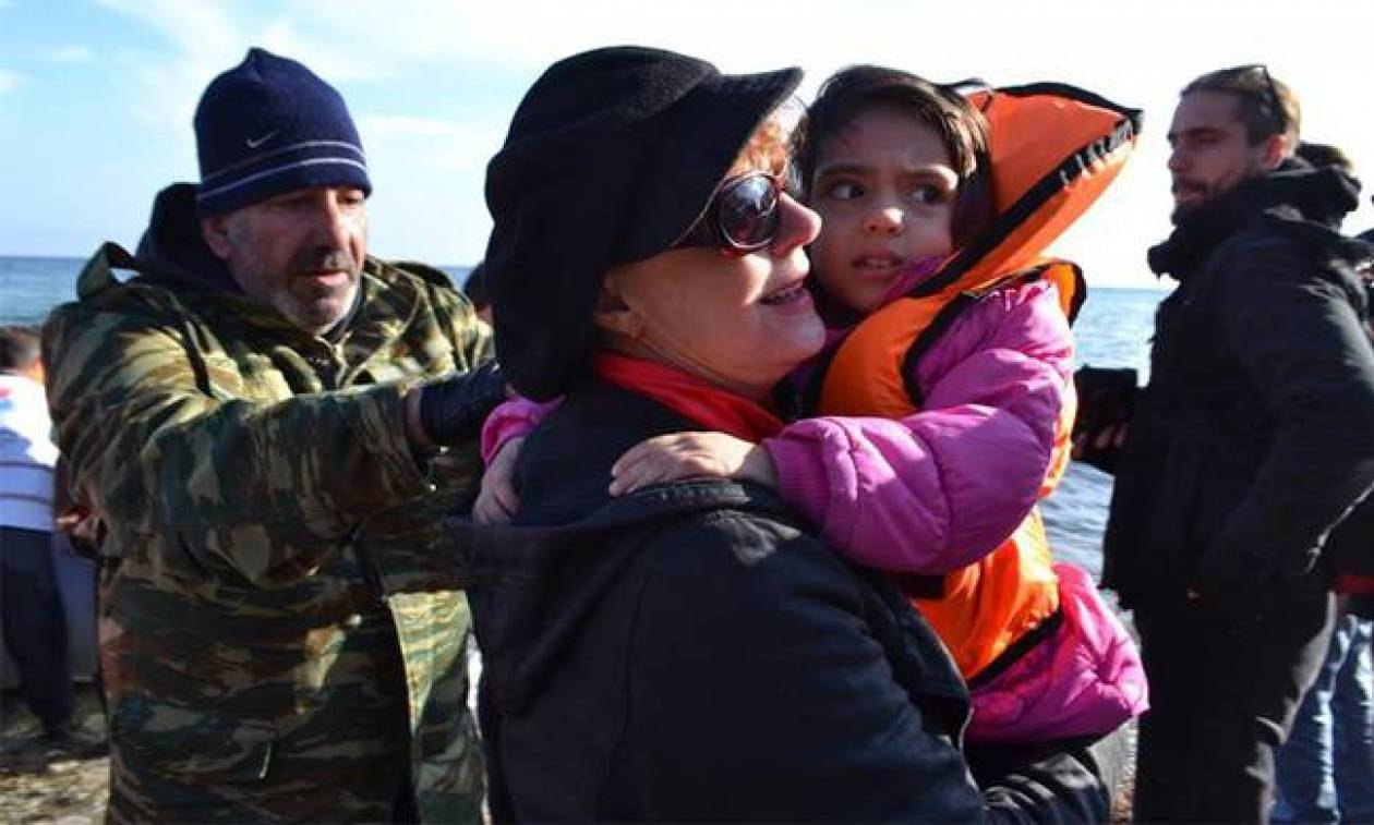 Δίπλα στους μετανάστες και πάλι η Σούζαν Σάραντον