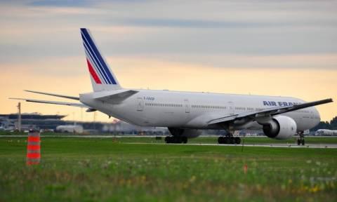 Συναγερμός στον αέρα: Αναγκαστική προσγείωση αεροσκάφους της Air France για βόμβα (Pic & Vid)