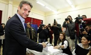 Εκλογές ΝΔ:  Η φωτογραφία που κάνει το γύρο του διαδικτύου – Τι συνέβη στον Κ. Μητσοτάκη;