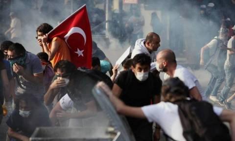Τουρκία: Δακρυγόνα εναντίον διαδηλωτών στην Κωνσταντινούπολη