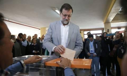 Εκλογές Ισπανία: Πρώτος ο Ραχόι - Όλα δείχνουν κυβέρνηση συνεργασίας