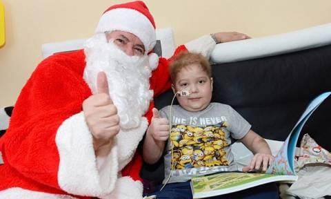 Ο 6χρονος που δεν έχει γιορτάσει ποτέ Χριστούγεννα στο σπίτι του – Μία συγκλονιστική ιστορία